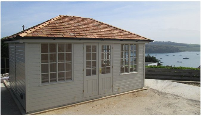 A Cley Summerhouse on the Cornish Coast