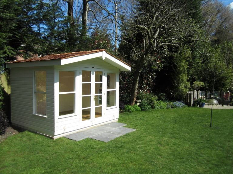 Blakeney Summerhouse in Valtti Ivory Paint