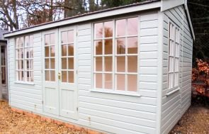 Holkham Summerhouse in Farrow & Ball