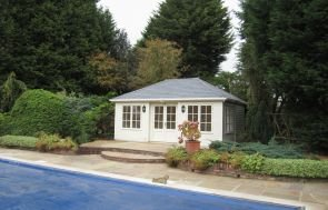 Garden Room next to Swimming Pool