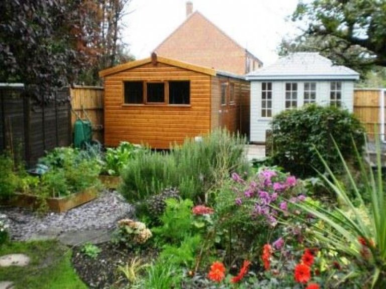 Superior Shed and Cley Summerhouse - Carlton