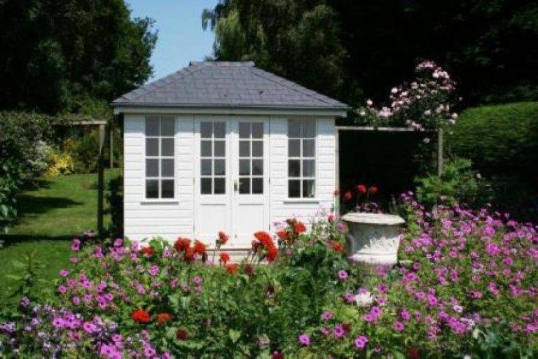 Cley Summerhouse - Theydon Bois