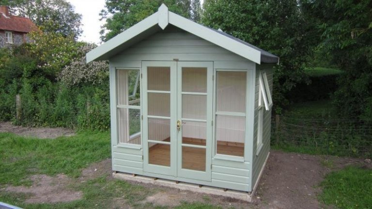 Blakeney Summerhouse with Opening Windows - Sheffield