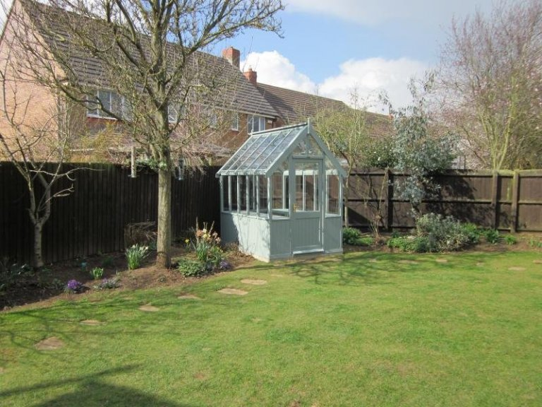 Greenhouse with Slatted Workbenches - Oakham