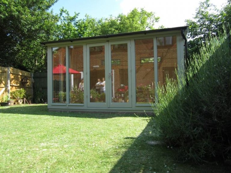 Burnham Studio with Double Doors - Andover