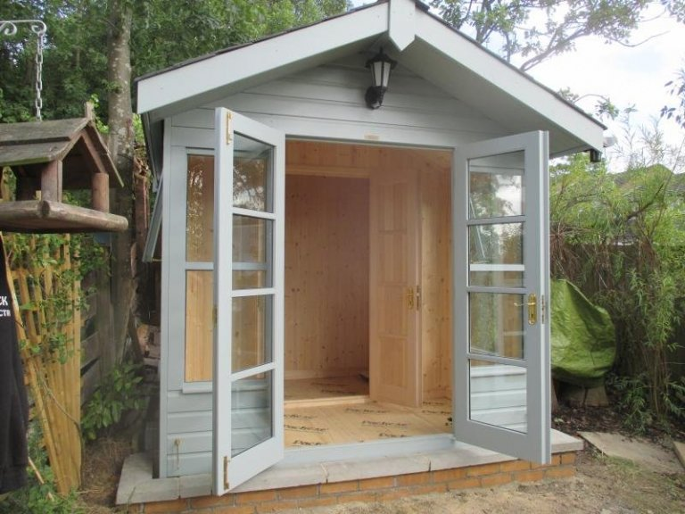 Blakeney Summerhouse with Partition - Camberwell