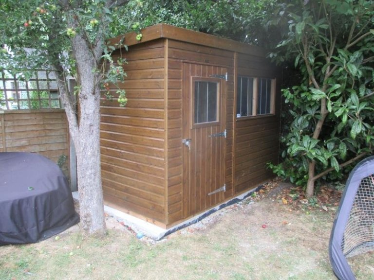 Superior Shed with Sikkens paint - East Dulwich