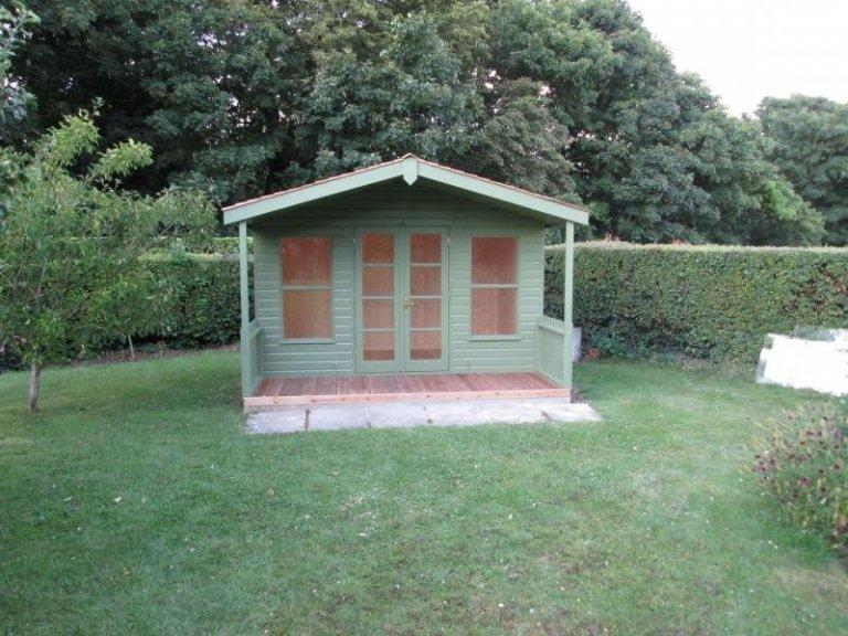 Morston Summerhouse with Cedar Shingles - Royston