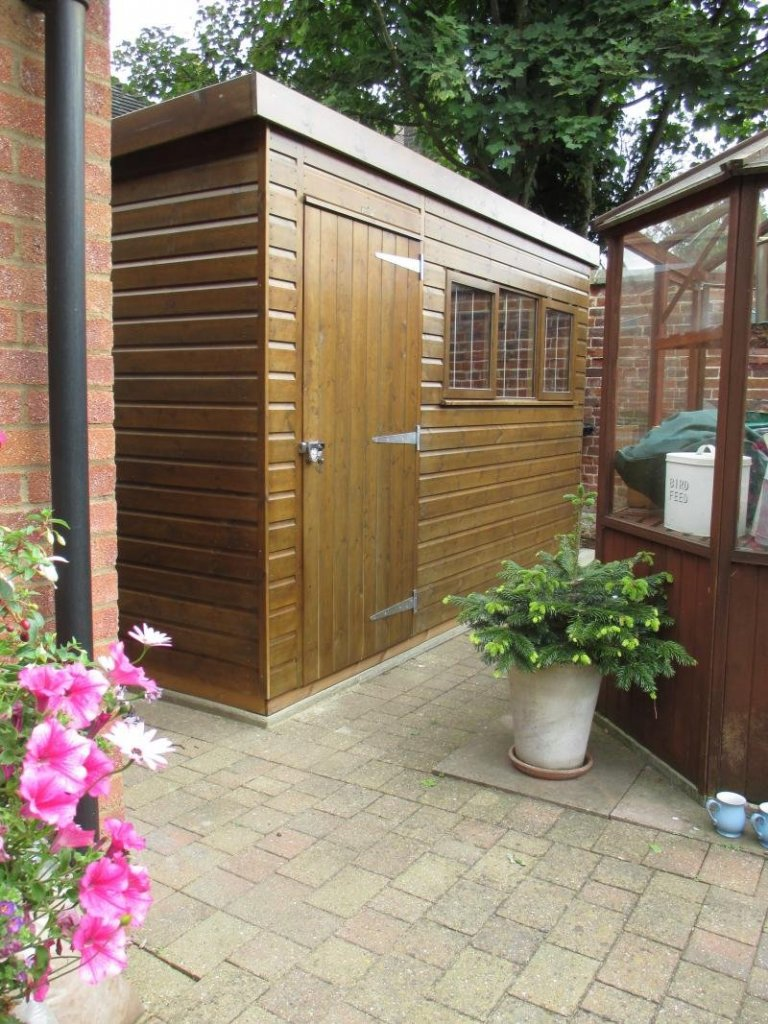 Superior Shed with Sikkens Walnut Paint - Orpington
