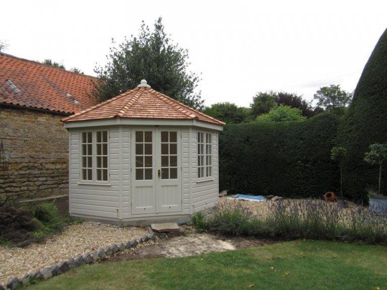 Wiveton Summerhouse with Georgian Windows - Burton