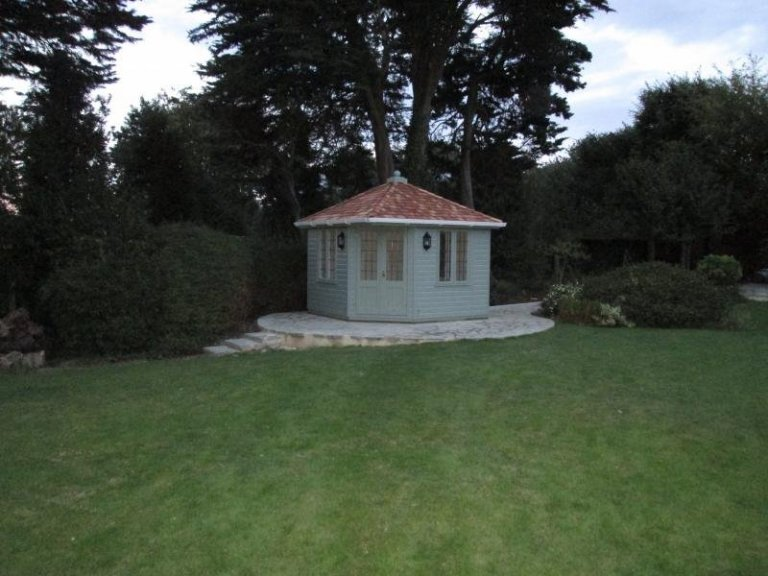 Weybourne Summerhouse with Coach Lights - Dorking