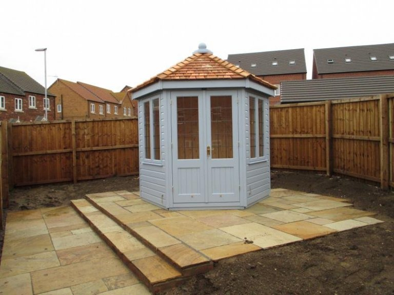 Wiveton Summerhouse with Leaded Windows - Market Rasen