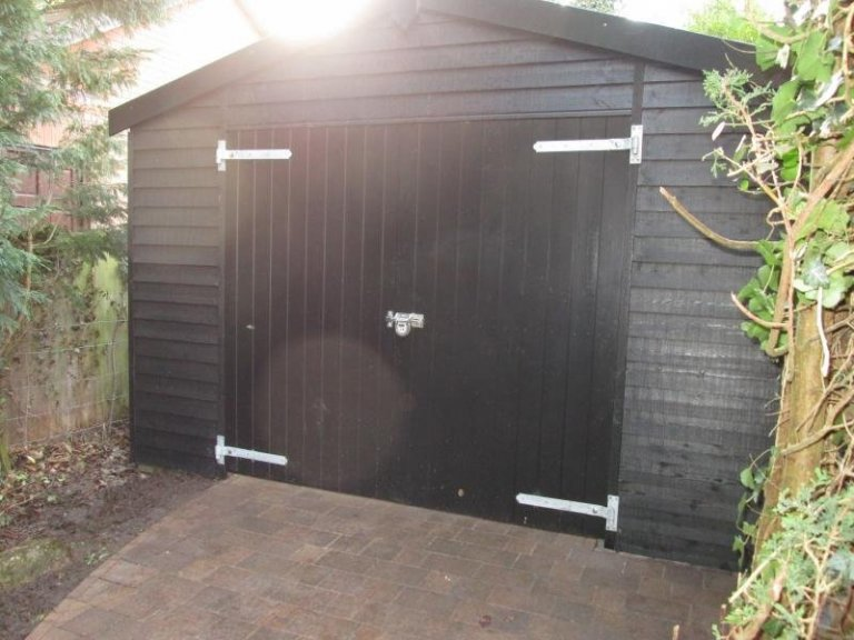 Timber Garage with Weatherboard Cladding - Edwalton