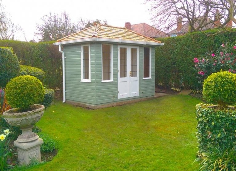 Cley Summerhouse with a Partition - West Bridgford