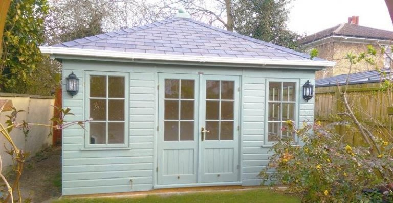 Garden Room with White Guttering - Grantchester