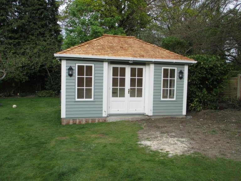 Garden Room with Inset Doors - Beaconsfield