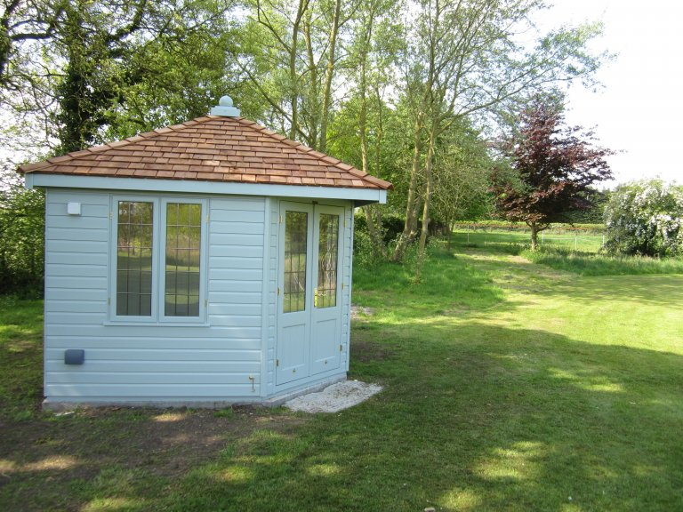 Weybourne Summerhouse with Leaded Windows - Brinkley