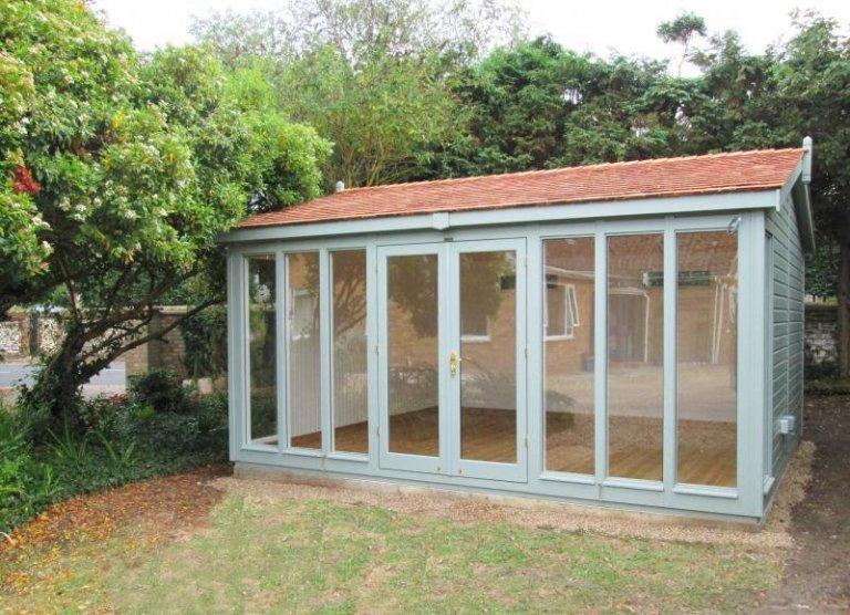 Large Burnham Studio with an Apex Roof - Thornham