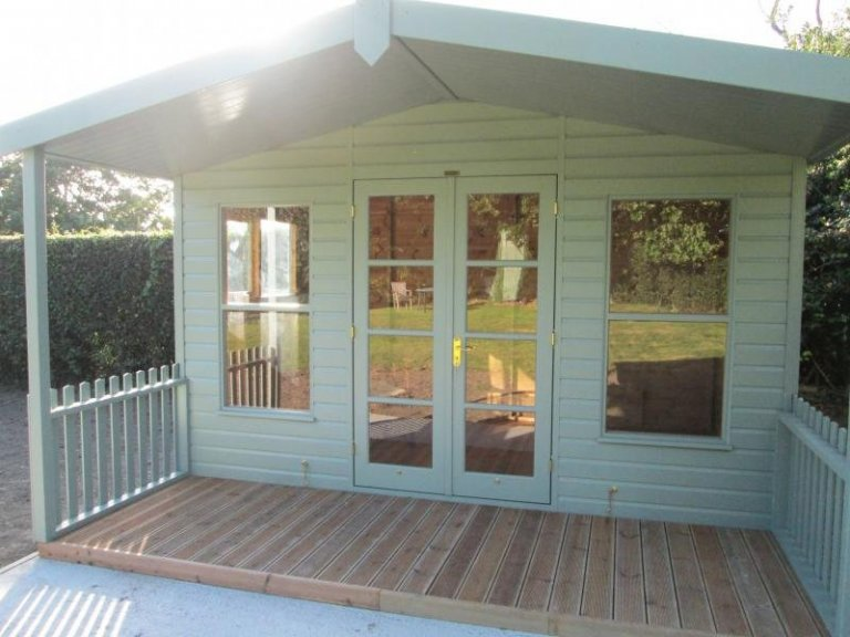 Morston Summerhouse with Veranda - Etchingham