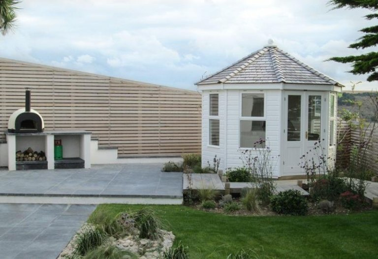 Wiveton Summerhouse with Bespoke Windows - Newquay
