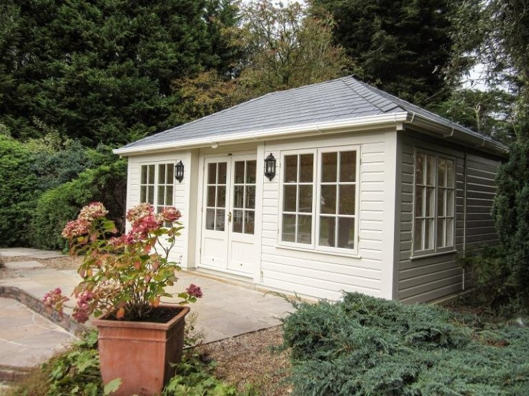 Hipped Roof Garden Room - Little Gaddesden