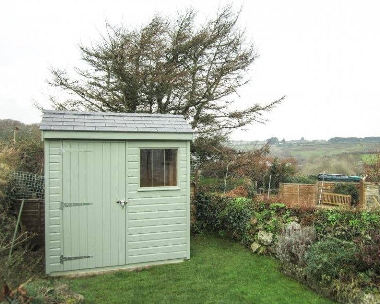 Small Superior Shed in Green Paint - Treverva