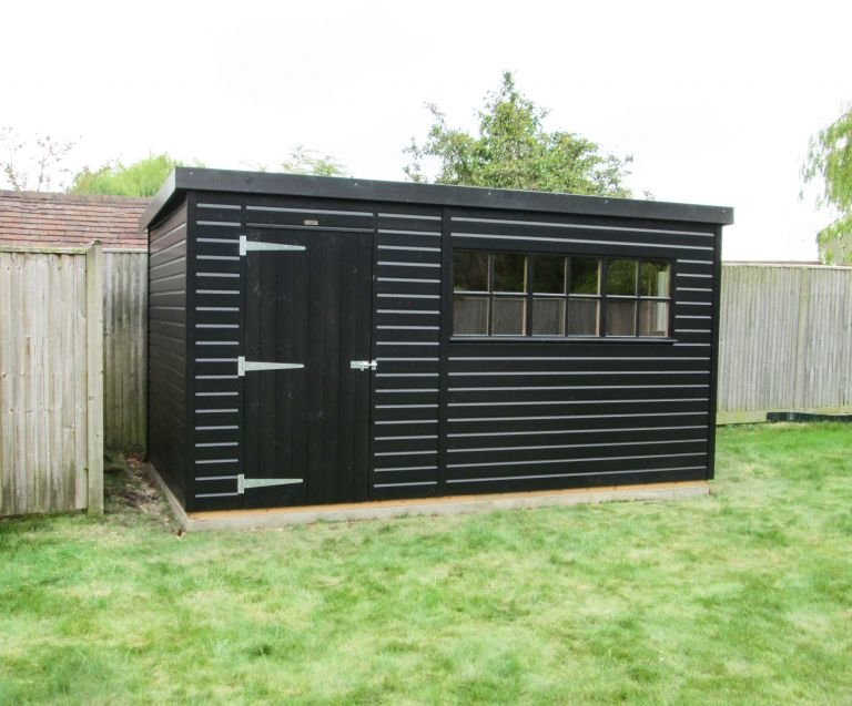 Superior Shed in Black SIkkens Paint