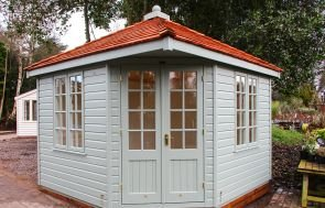 Weybourne Summerhouse in Valtti Sage Paint