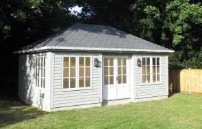 Garden Room with Electrics