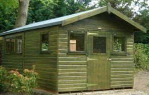 A large superior shed with apex roof covered in heat-bonded, heavy-duty felt and with a slight overhang on the gable. The exterior is clad with smooth shiplap and painted in Green Sikkens preservative stain