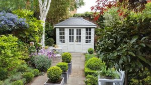 A stunning small summerhouse situated in a beautiful ga
