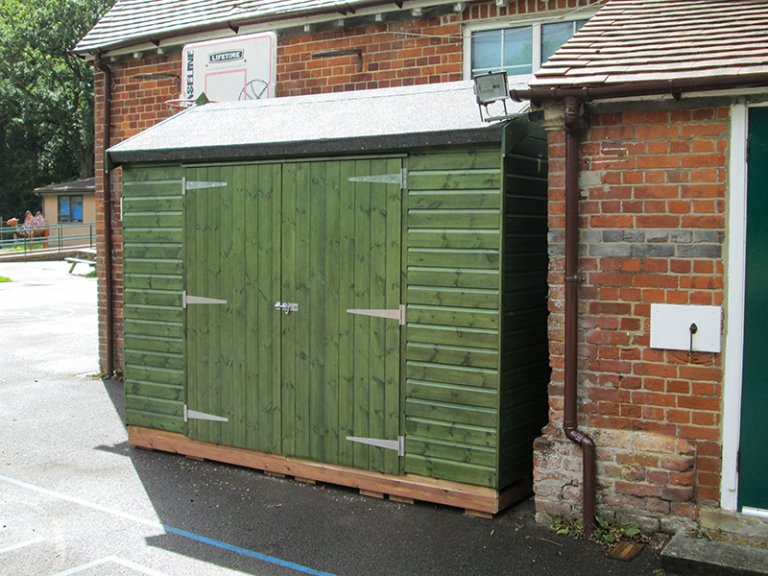 Superior Shed in Sikkens Green