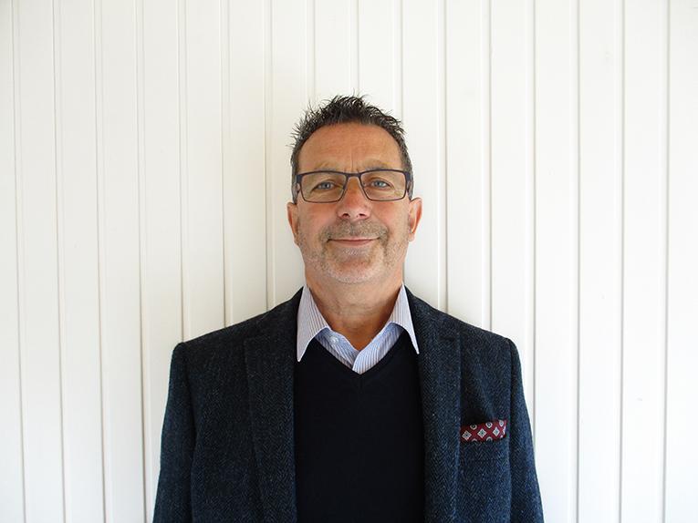 Martin<br/> Sales Consultant