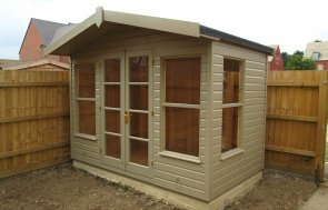 Blakeney Summerhouse with Roof Overhang