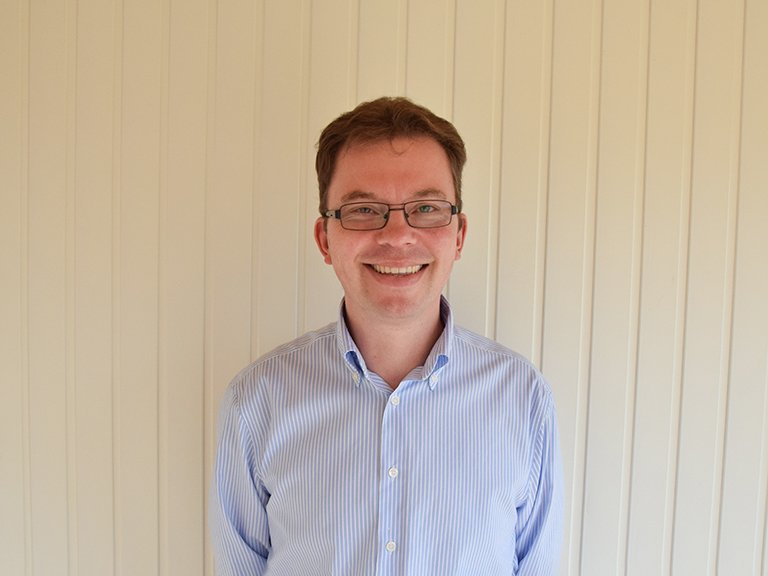 Andrew<br/> Narford Sales Manager