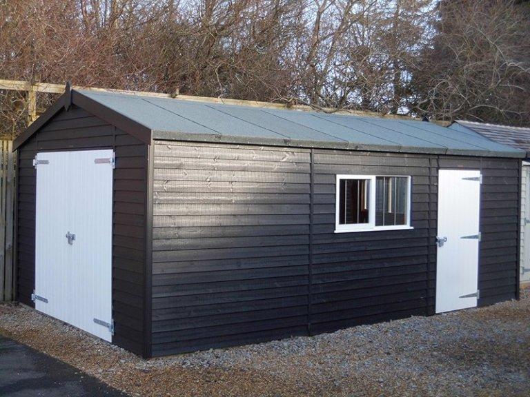A close up of the 3.6 x 6.0m Garage at Burford