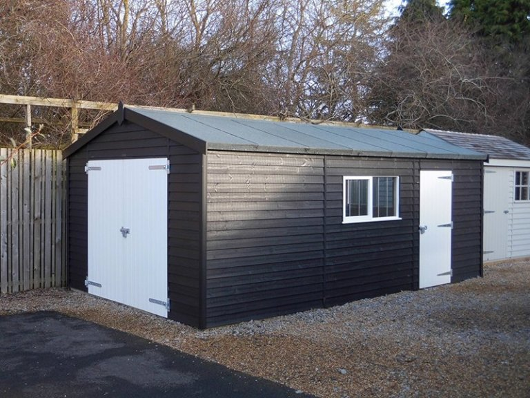 The 3.6 x 6.0m Garage at Burford