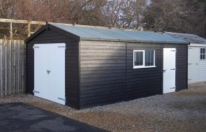 The 3.6 x 6.0m Black & Ivory painted Garage at Burford