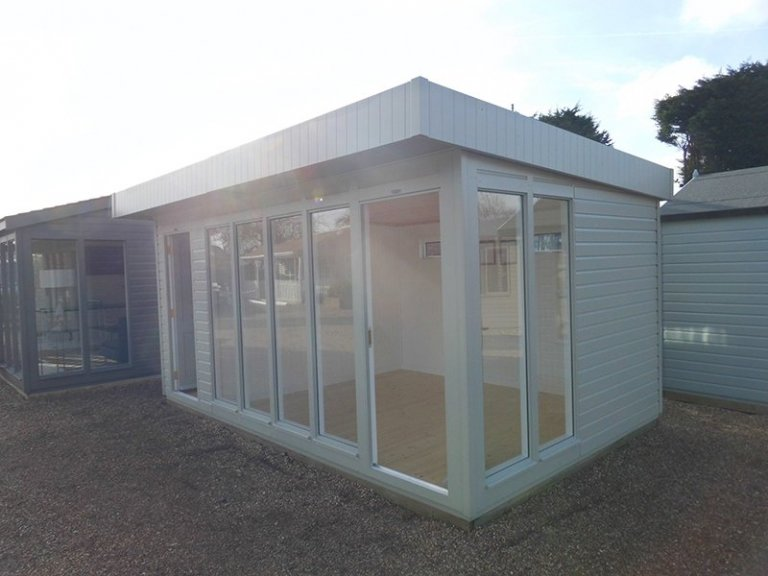 Side profile of the Burford 3.0m x 4.8m Salthouse Studio