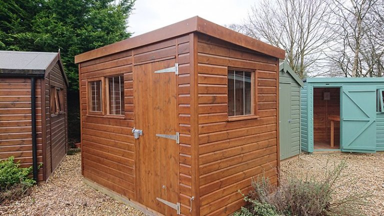 Newbury Superior Shed in Sikkens Walnut