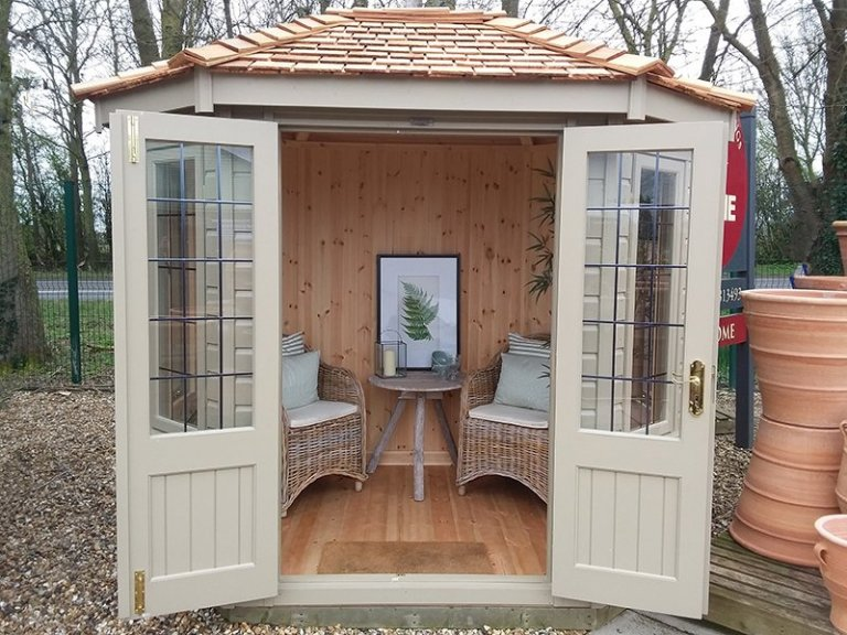 1.8 x 2.5m Furnished Wiveton Summerhouse at Brighton
