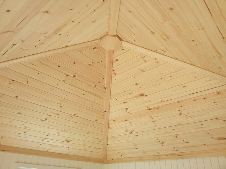 The roof inside the 3.0 x 3.0m Weybourne Summerhouse at Brighton