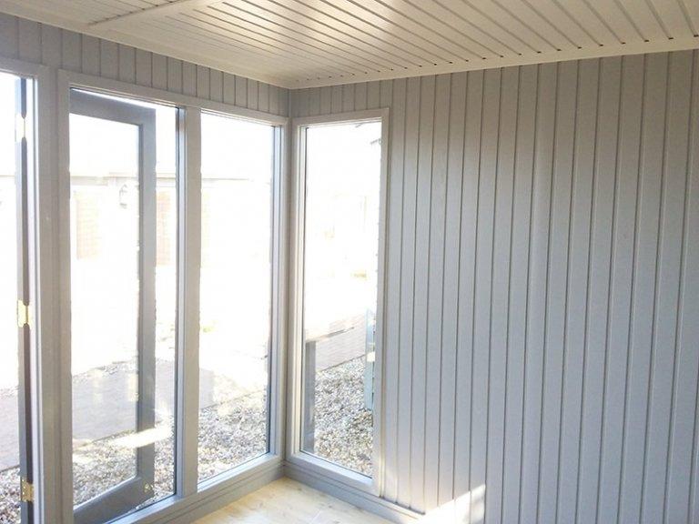 Floor-to-ceiling windows inside the 3.0 x 4.2m Salthouse Studio at Brighton