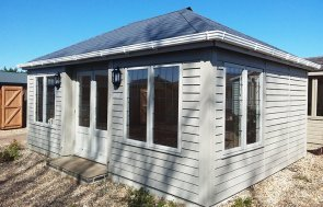 4.2 x 6.0m Garden Room at Brighton two-toned painted in Farrow & Ball Light Gray & Old White