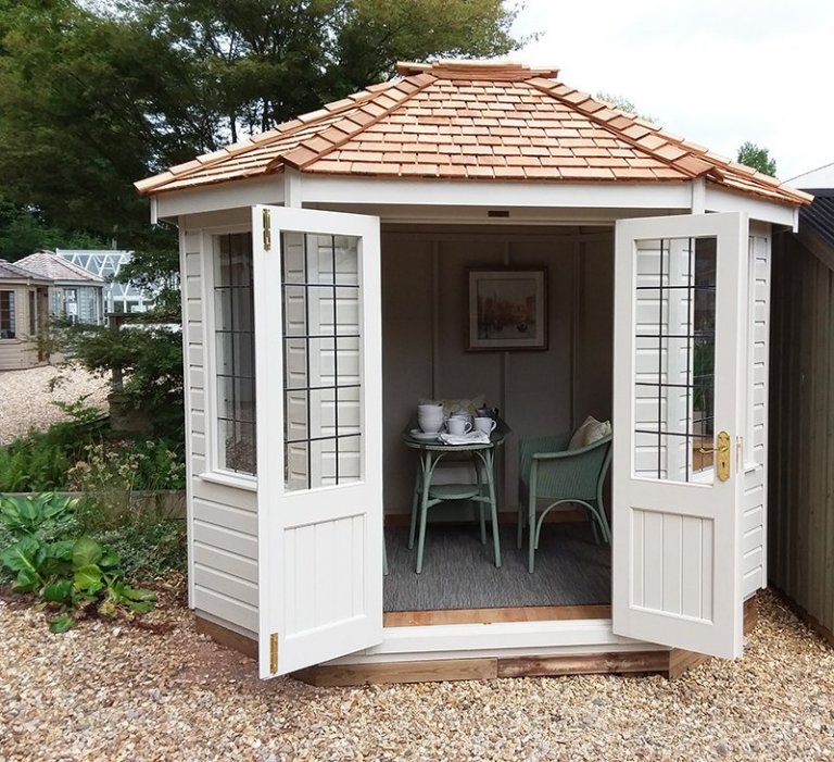 Classic Summerhouse at Newbury with open double doors