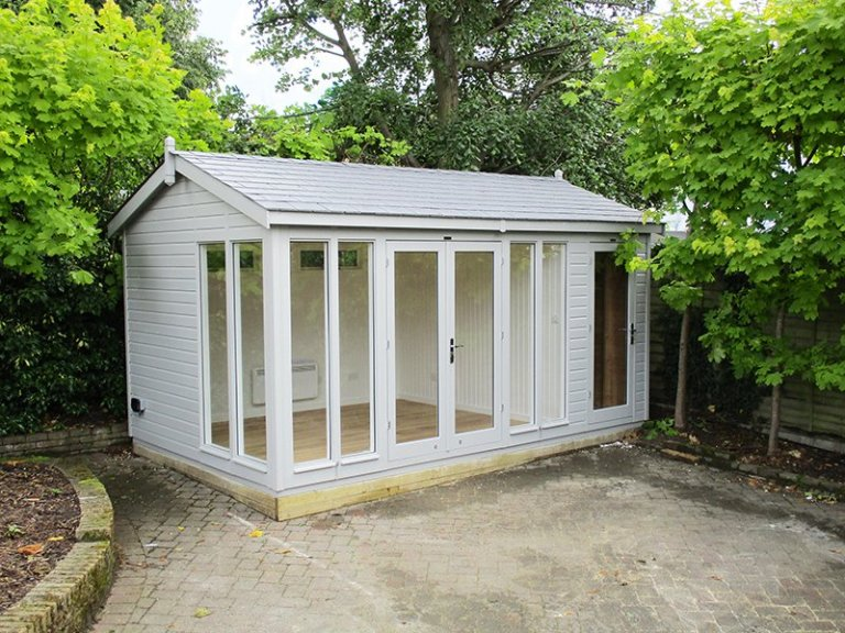 3.0 x 4.8m Burnham Studio painted in Exterior Pebble