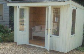 Newbury's 1.8 x 3.0m Flatford Summerhouse painted in Disraeli Green