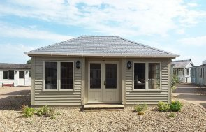 4.2 x 6.0m Garden Room at Brighton painted in Farrow & Ball Light Gray & Old White
