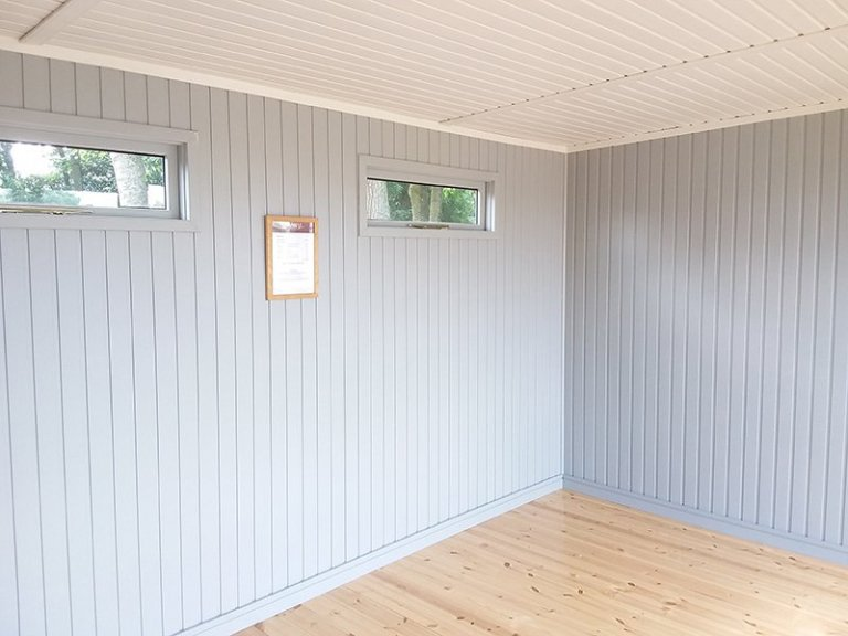 Inside Brighton's 3.0 x 4.2m Salthouse Studio