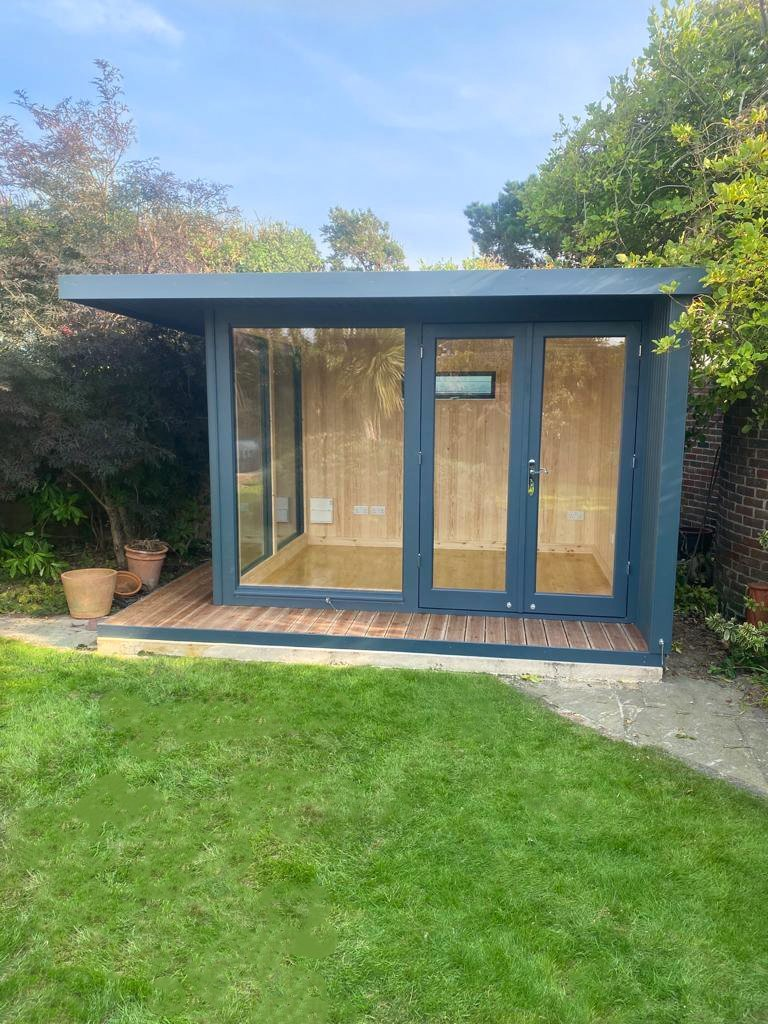 3.0 x 3.6m Holt Studio painted in Exterior Slate with natural interior